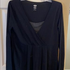 Old navy maternity black long sleeve shirt